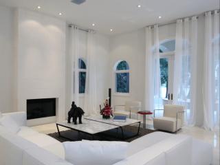 Как  украсить окна и выбрать шторы?