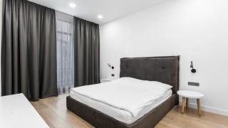 Класичні штори для спальні у ЖК Pechersk Sky