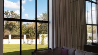 Класичні штори для вітальні передмістя Києва (Броварський р-н)