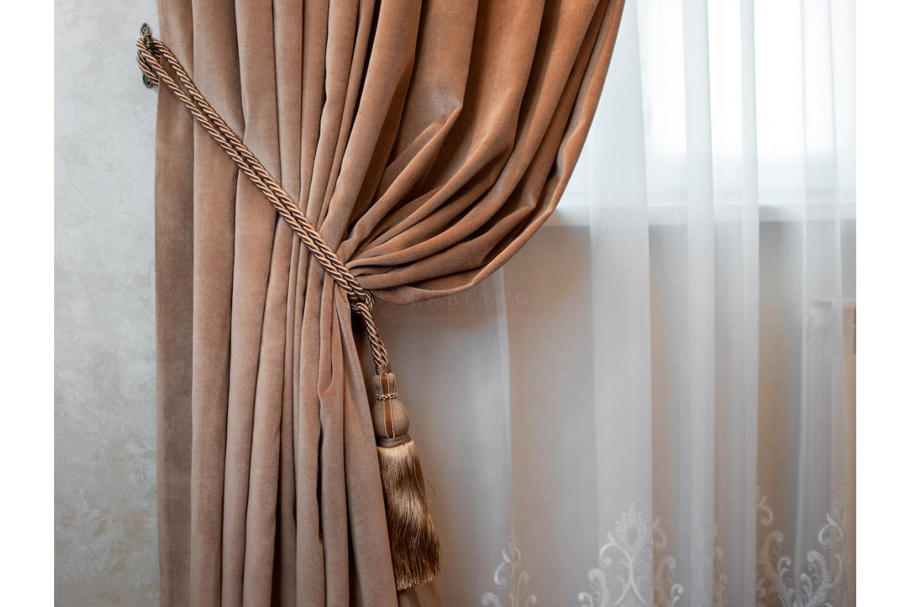 Классические шторы для гостиной ул. Днепровская набережная