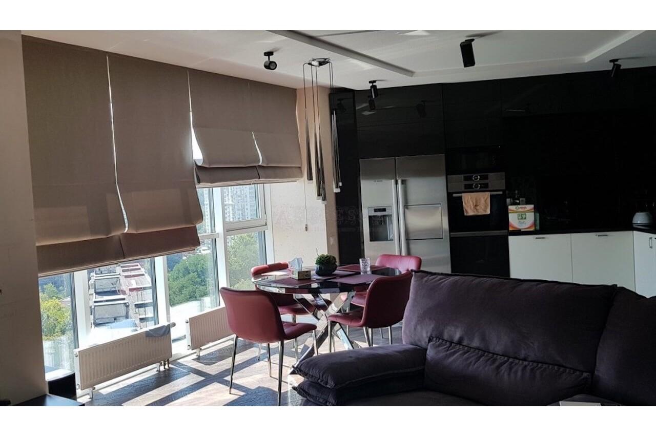 Римские шторы для кухни-гостиной ЖК Квартет