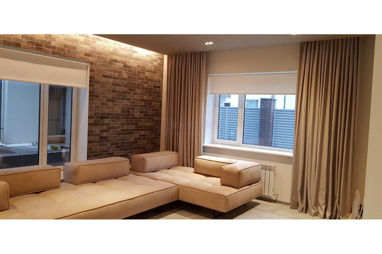Классические и рулонные шторы для гостиной пгт Гостомель