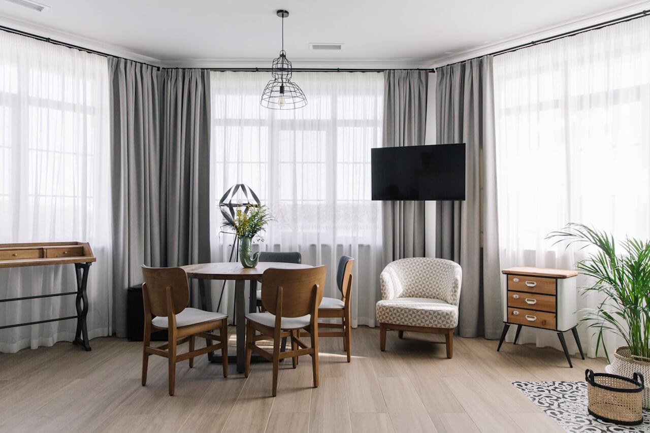 Классические шторы для отеля Бобрица Дача